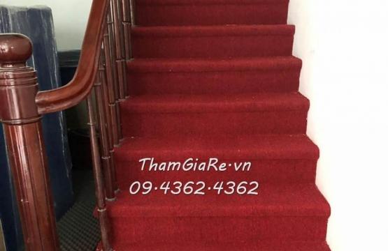 Thảm trải cầu thang tại 47 Linh Lang