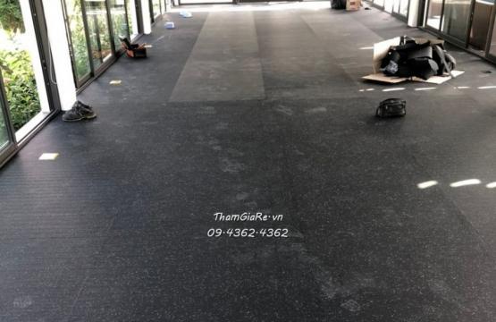 Thi công thảm caosu phòng Gym chấm xanh 4mm tòa Xanh Villas Thạch Thất